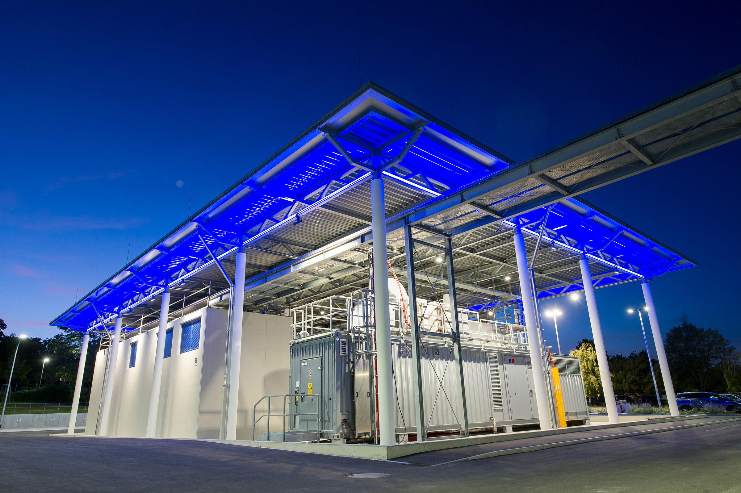 Rolls-Royce MTU Microgrid Validation Center