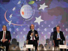 Minister Kurtyka Karpacz talking at Economic Forum
