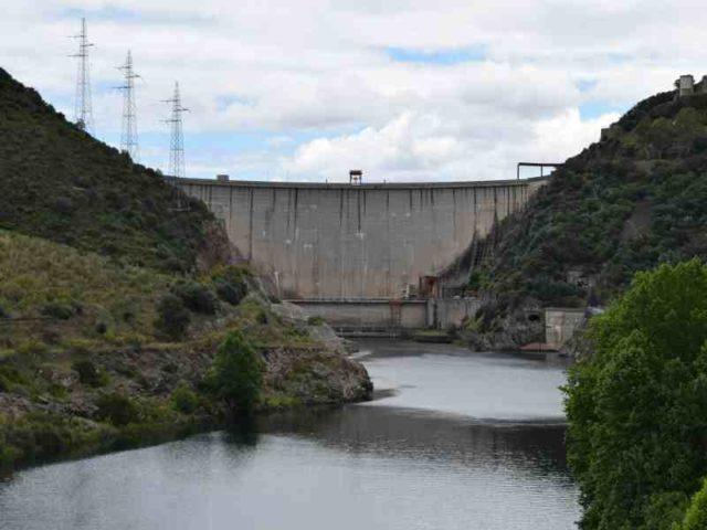 Valdecañas hydro plant