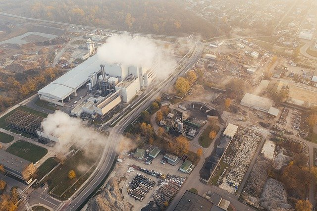 Top tips for commercial and industrial companies to tackle decarbonisation
