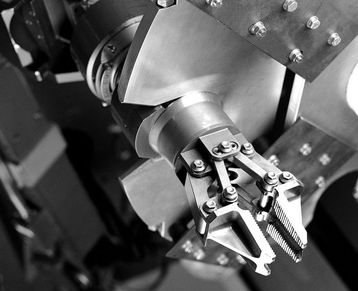 Remote-handling-manipulator-used-in-nuclear-decommissioning-credit_-Nuclear-Decommissioning-Authority