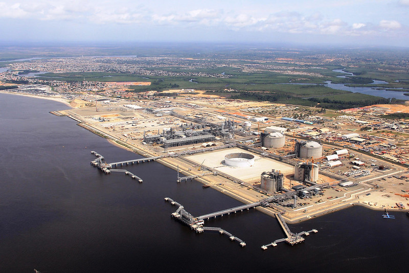 Total and Siemens Energy in pact to cut LNG carbon emissions